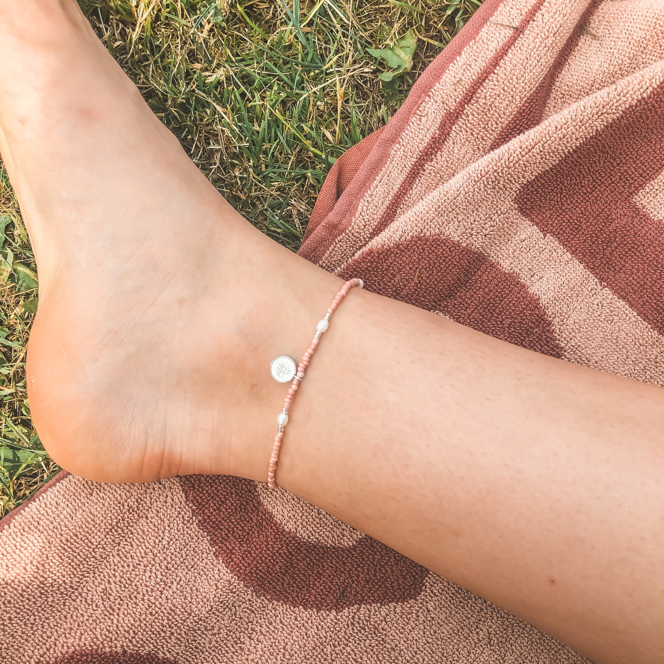 One coin anklet pearls