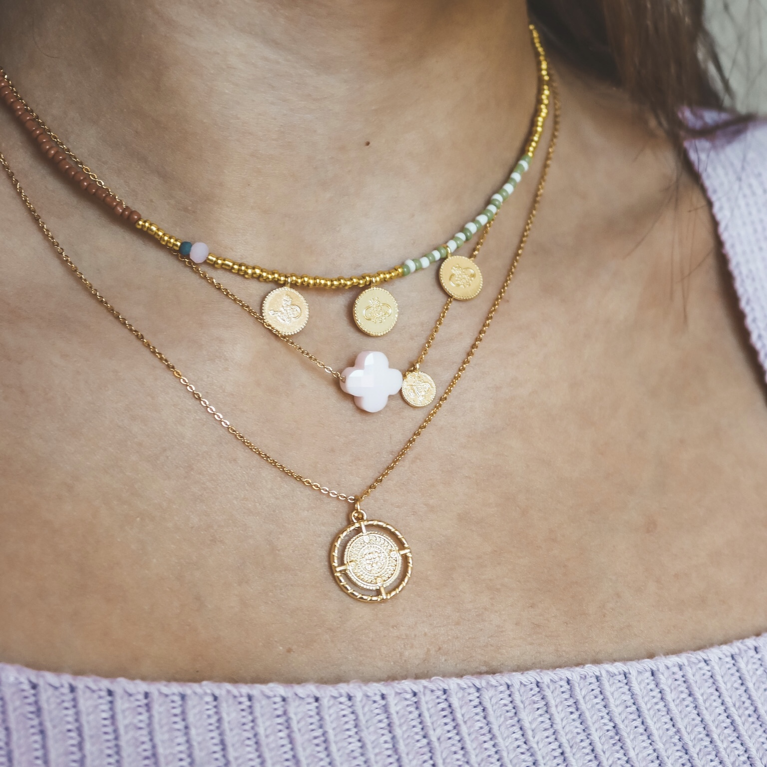 Fine jewelry: clover necklace pink gold