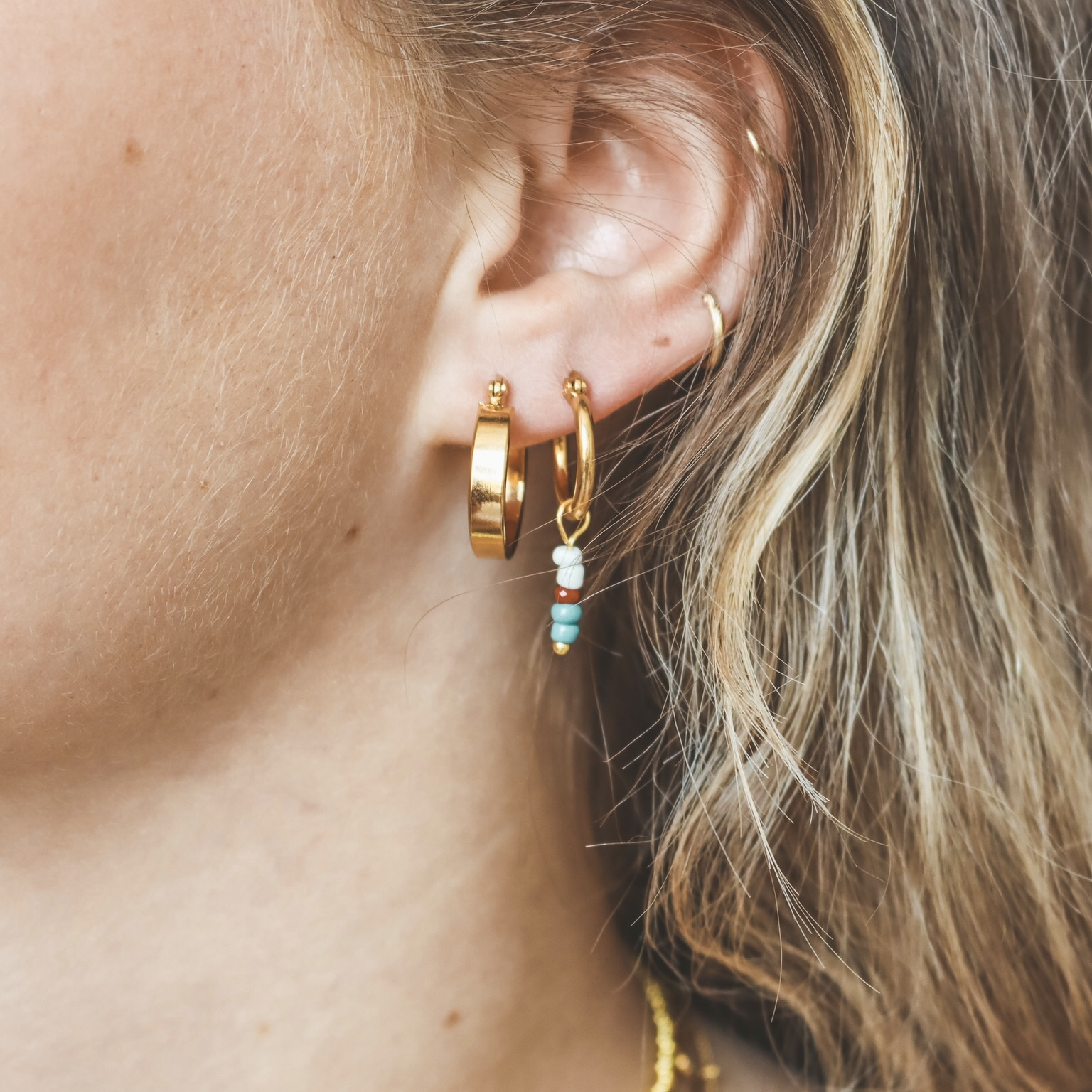 Hoop beads gold 2