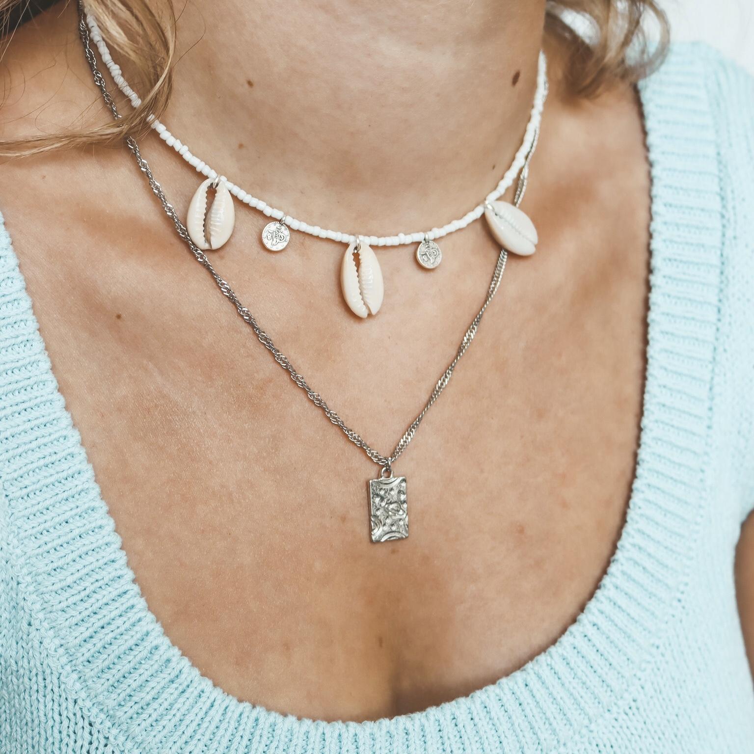 Fine jewelry: space silver