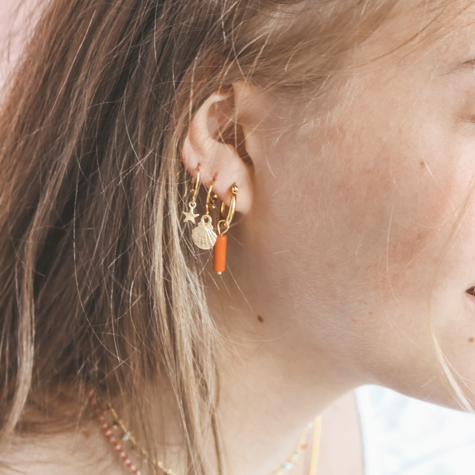 Small shell hoops gold