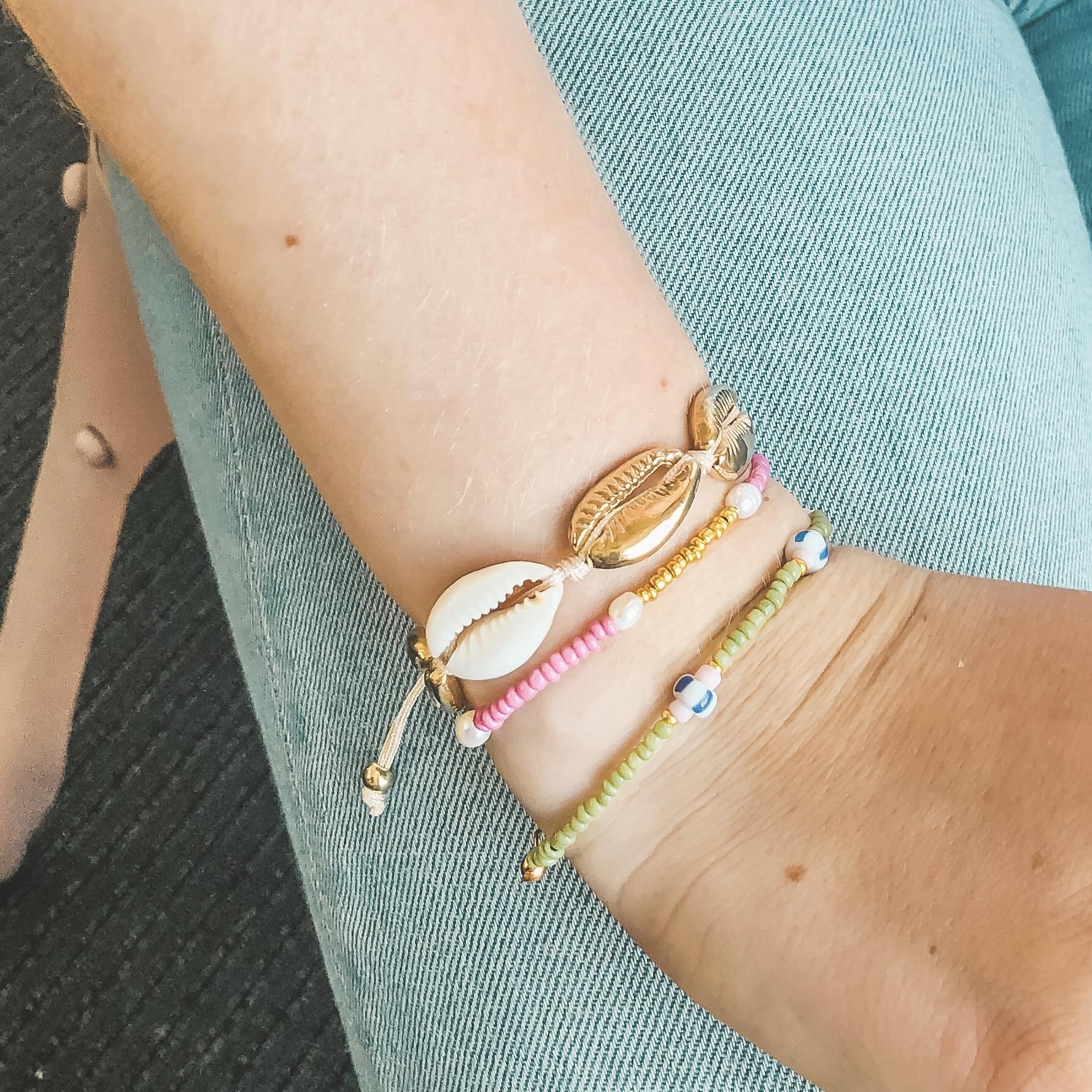 Pink gold pearl bracelet