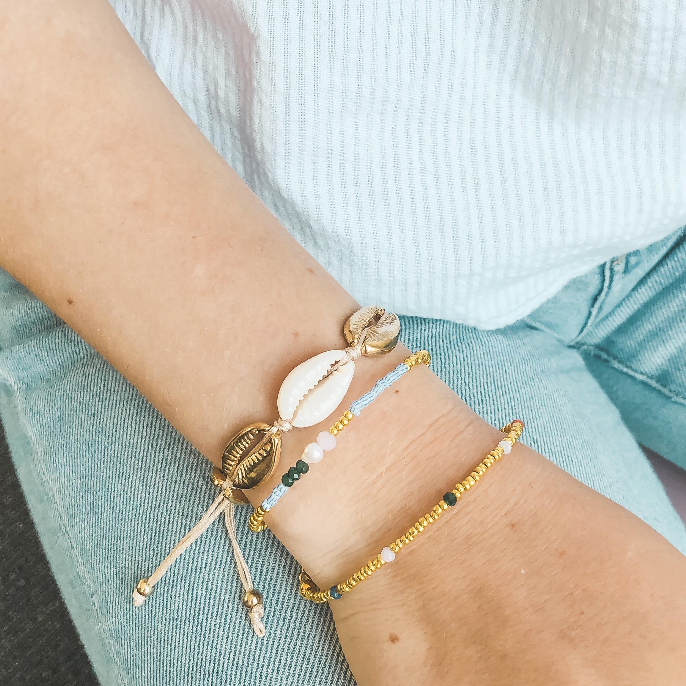 Blue striped beads bracelet gold