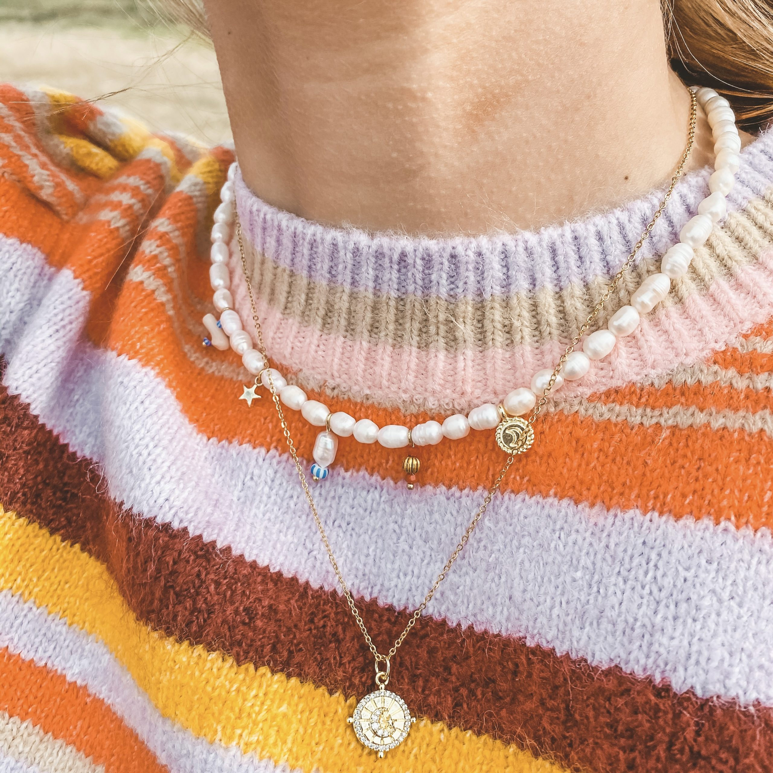 Pearl choker charms