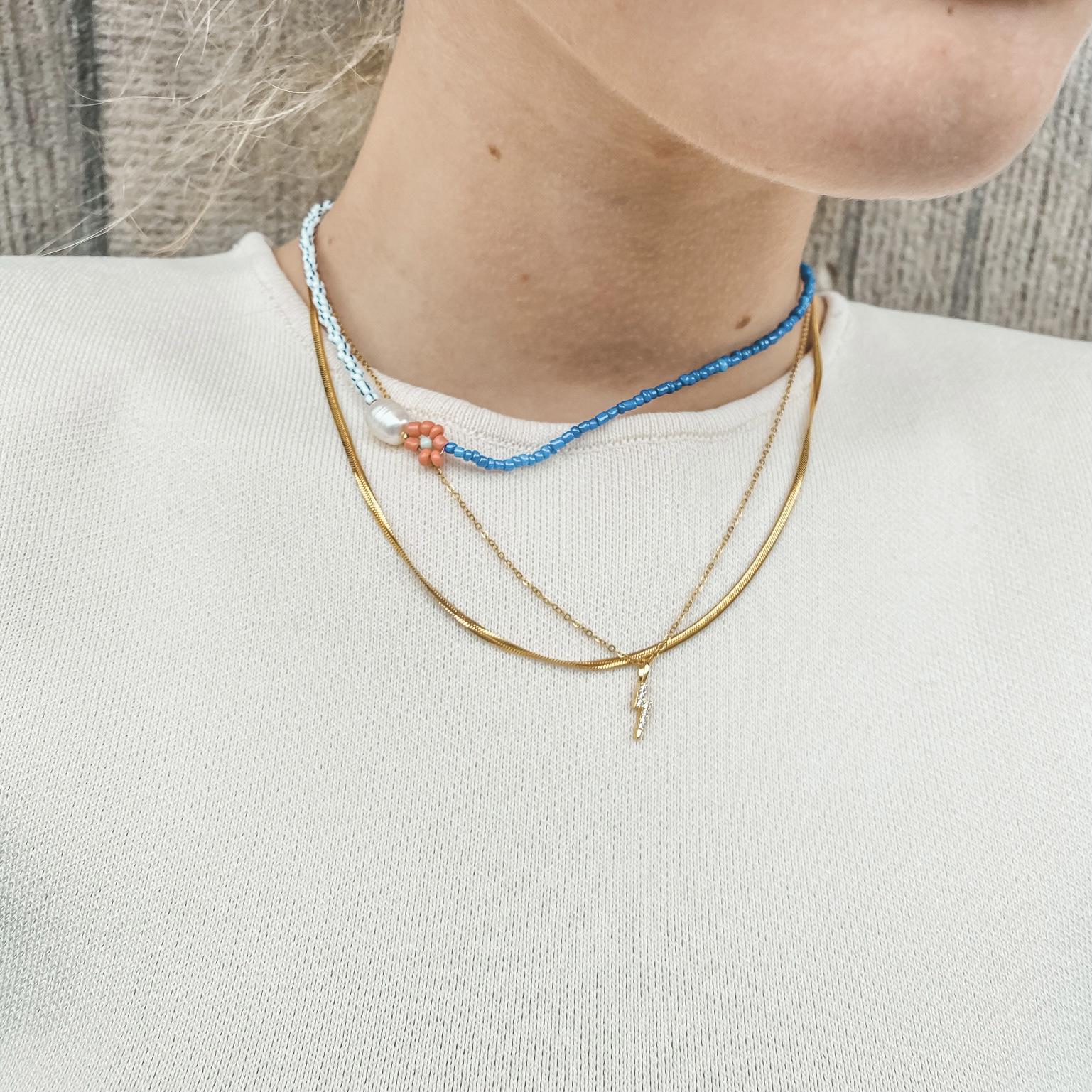 Fine jewelry: lightning gold