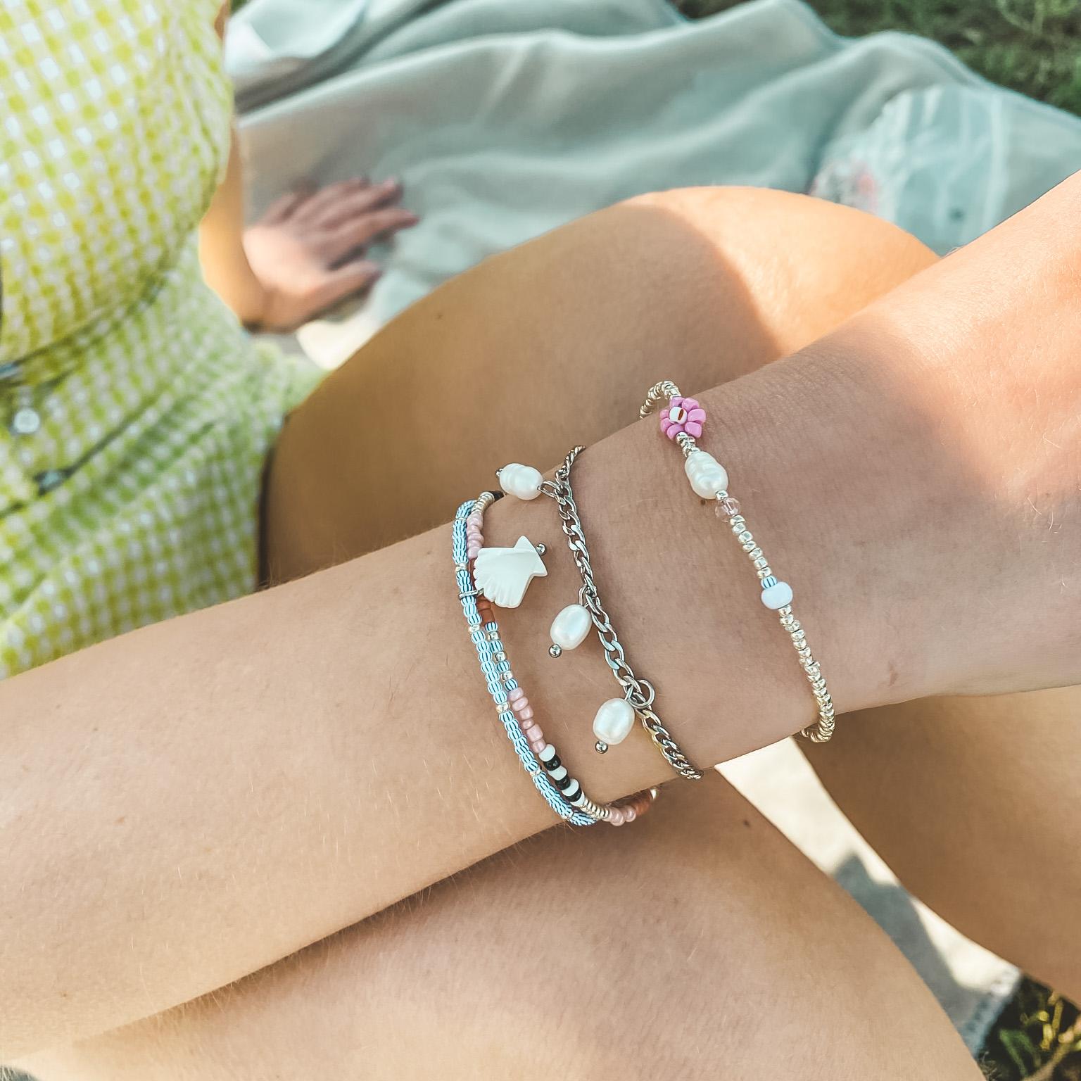 Striped shell bracelet silver