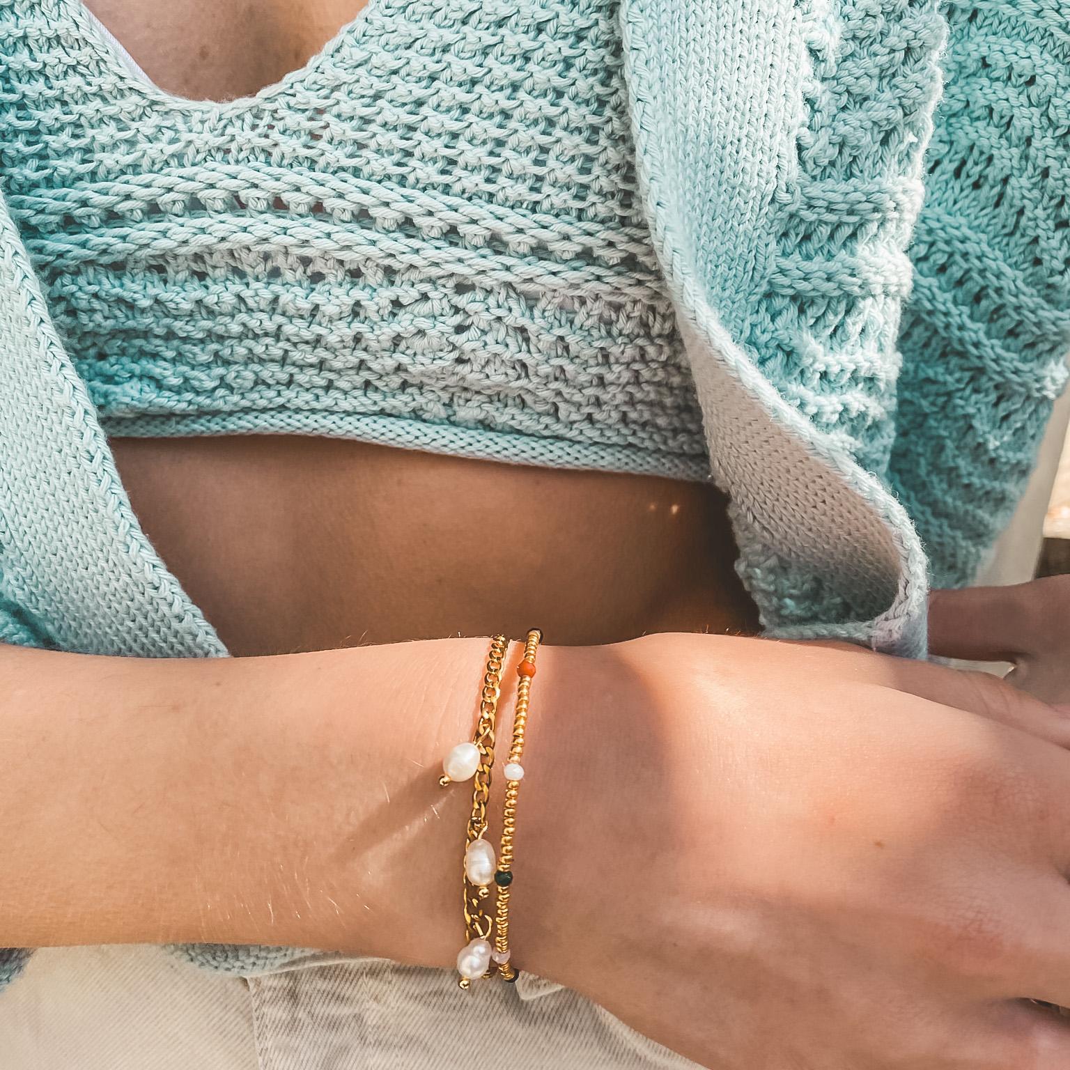 Golden bracelet facet stones 2